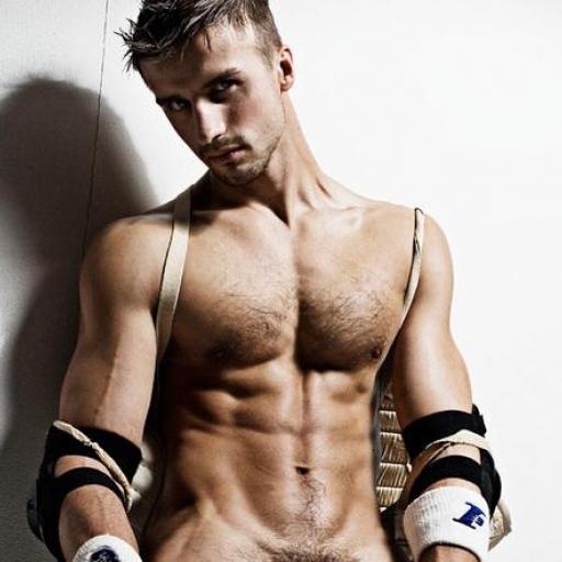 Парни спортсмены голые фото